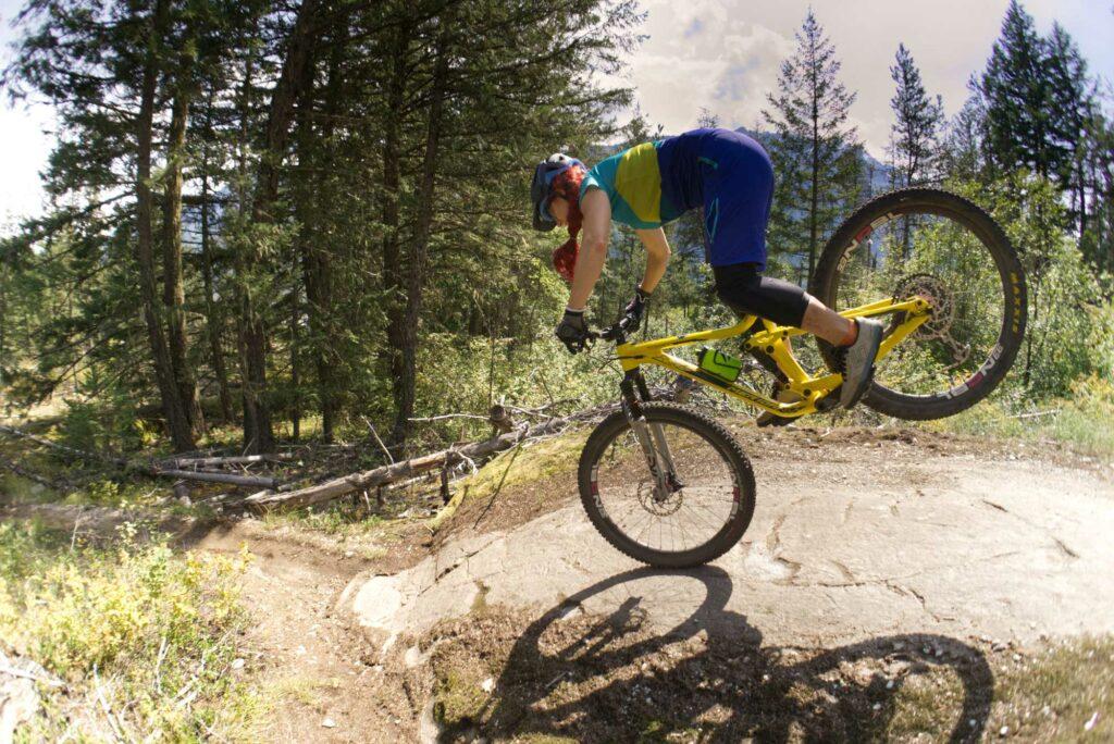 Mountainbiken lernen funktioniert mit einem Online Kurs oder bei einem MTB-Event