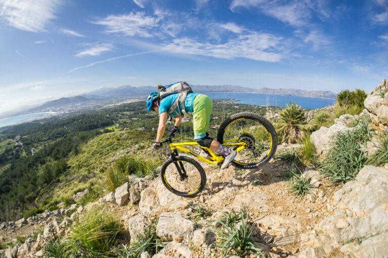 Mountainbike Fahrtechnik lernen mit einem Mountainbike Trainer