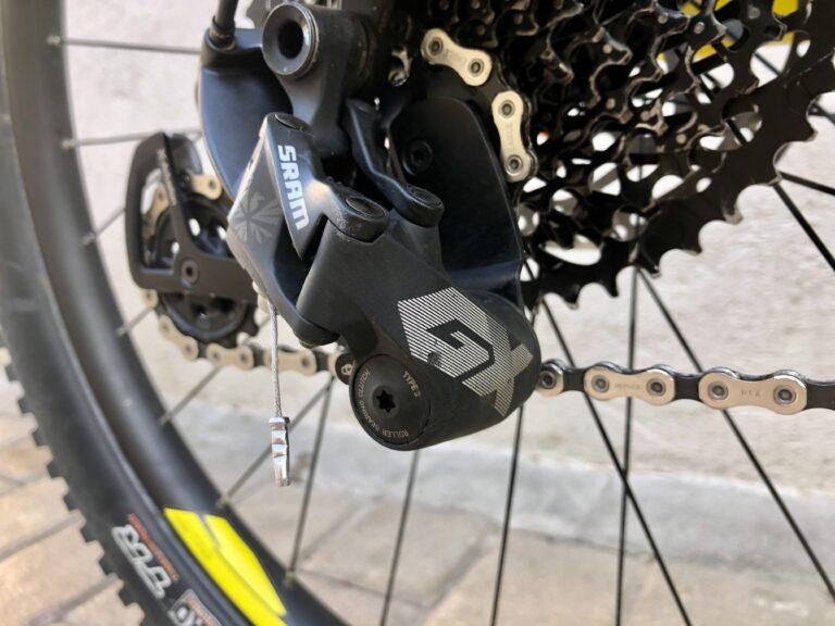 Das Schaltwerk ist sehr exponiert und ist bei gebrauchten Mountainbikes oft beschädigt.
